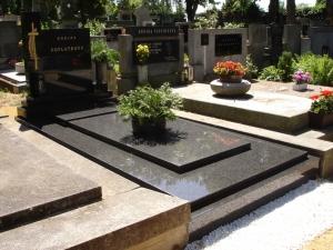 Dvojhroby a hrobky